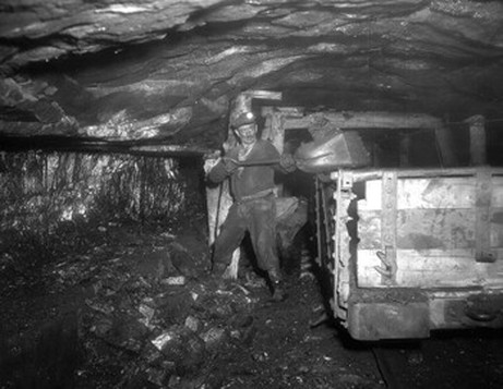 Loretta's father worked in the Van Lear coalmine, where a few years before eight miners had died in a tragic accident. Photo courtesy of Bill Kretzer, who write about his grandfather's death in the mine.