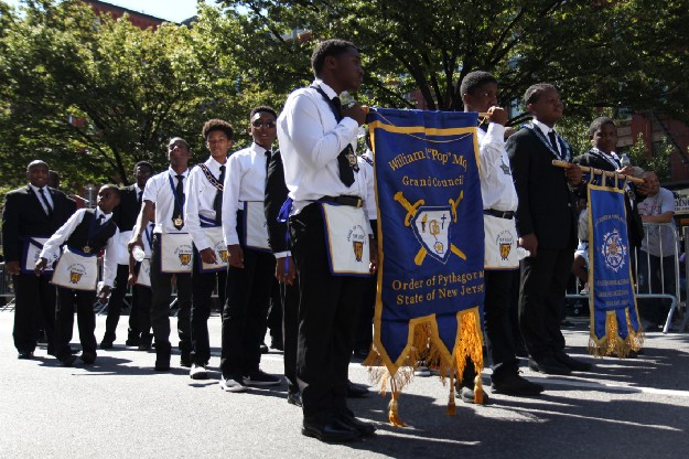 freemasons parade