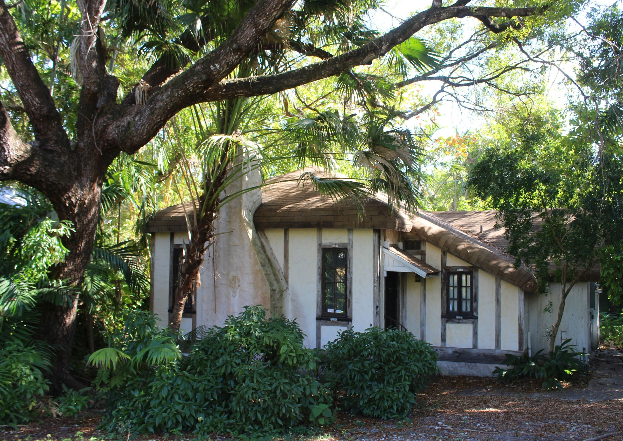 Douglas lived in a modest cottage in the Coconut Grove area south of downtown Miami. Photo by  Edwin Grosvenor.