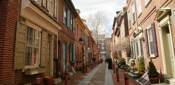Elfreth's Alley is said to be the oldest continuously inhabited street in American. Courtesy Encyclopedia of Greater Philadelphia.
