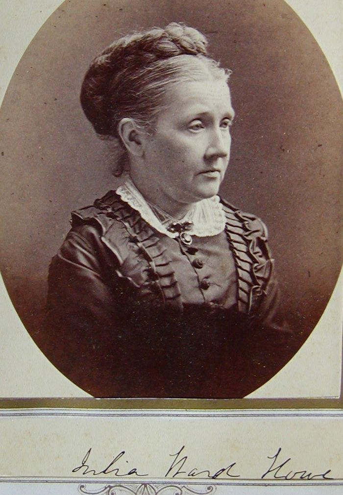 Julia Ward Howe signed a carte de visite around 1870. Grosvenor Collection.