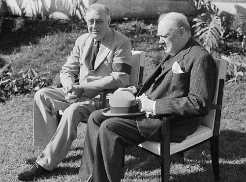 Churchill meets with President Roosevelt at the Allied Conference in Casablanca,_January 1943.