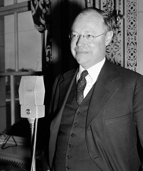 President Taft's son, Robert Taft, became Senate Majority Leader. As a leading conservative, he fought against FDR's New Deal and cosponsored the Taft–Hartley Act of 1947, which banned closed shops and other labor practices.