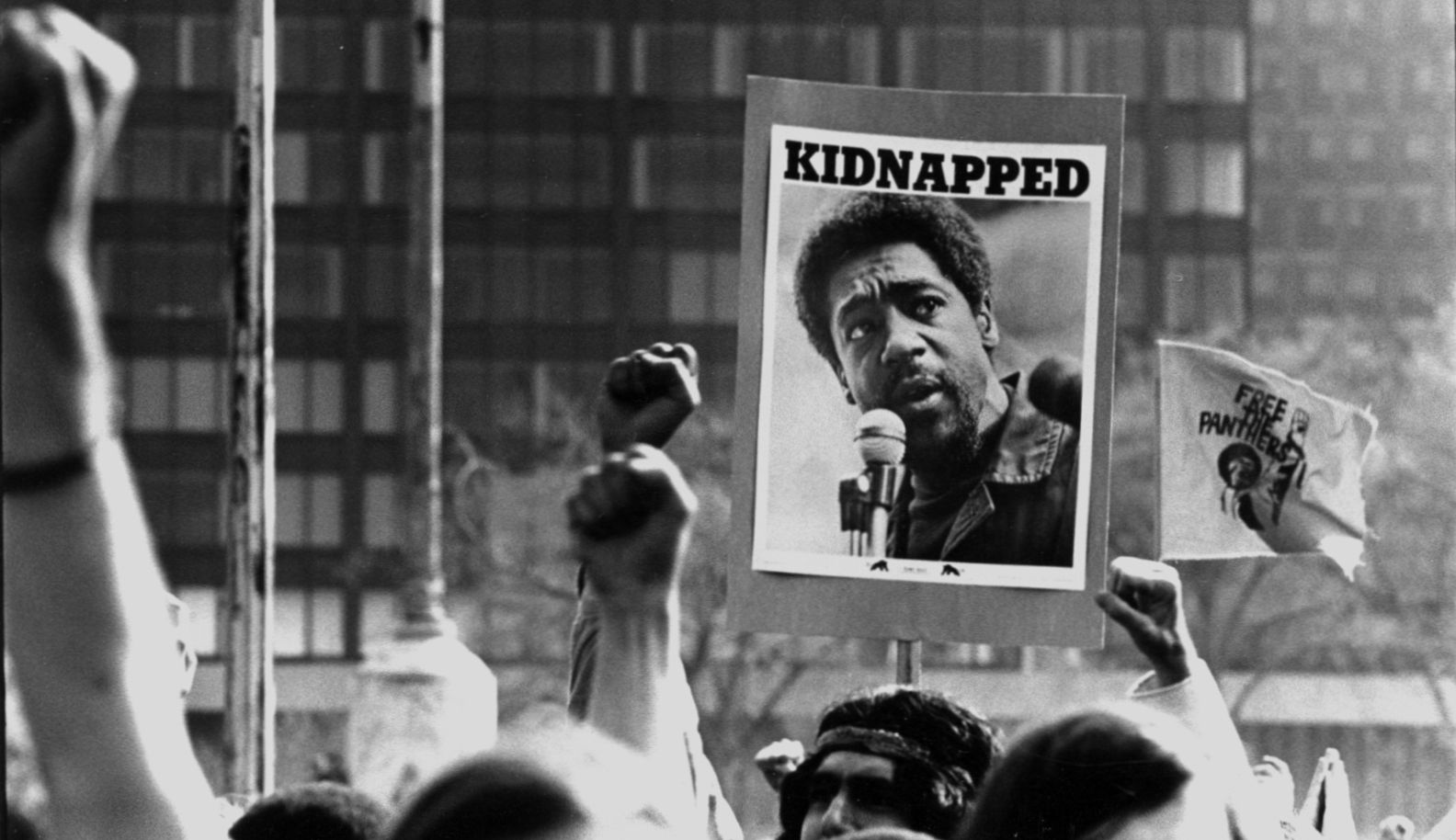 Protesters the New Haven Green demonstrate against the trial of Black Panther co-founder Bobby Seale. Photo by Stephen West, Yale University Library.